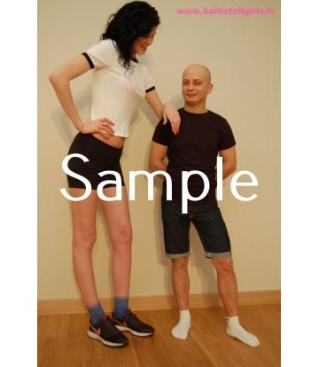 Gabriela vs Tony - no & med high heels